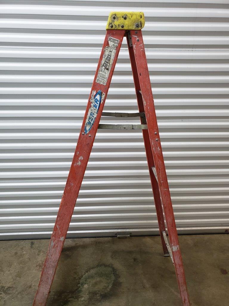 Werner 6 ft. Fiberglass Step Ladder with 300 lb. Load Capacity 6206