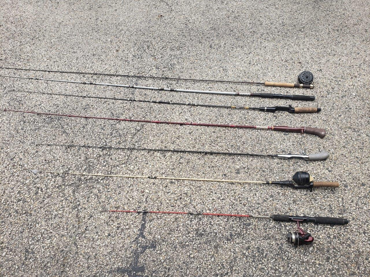 13 fishing rods, 5 with reels long poles